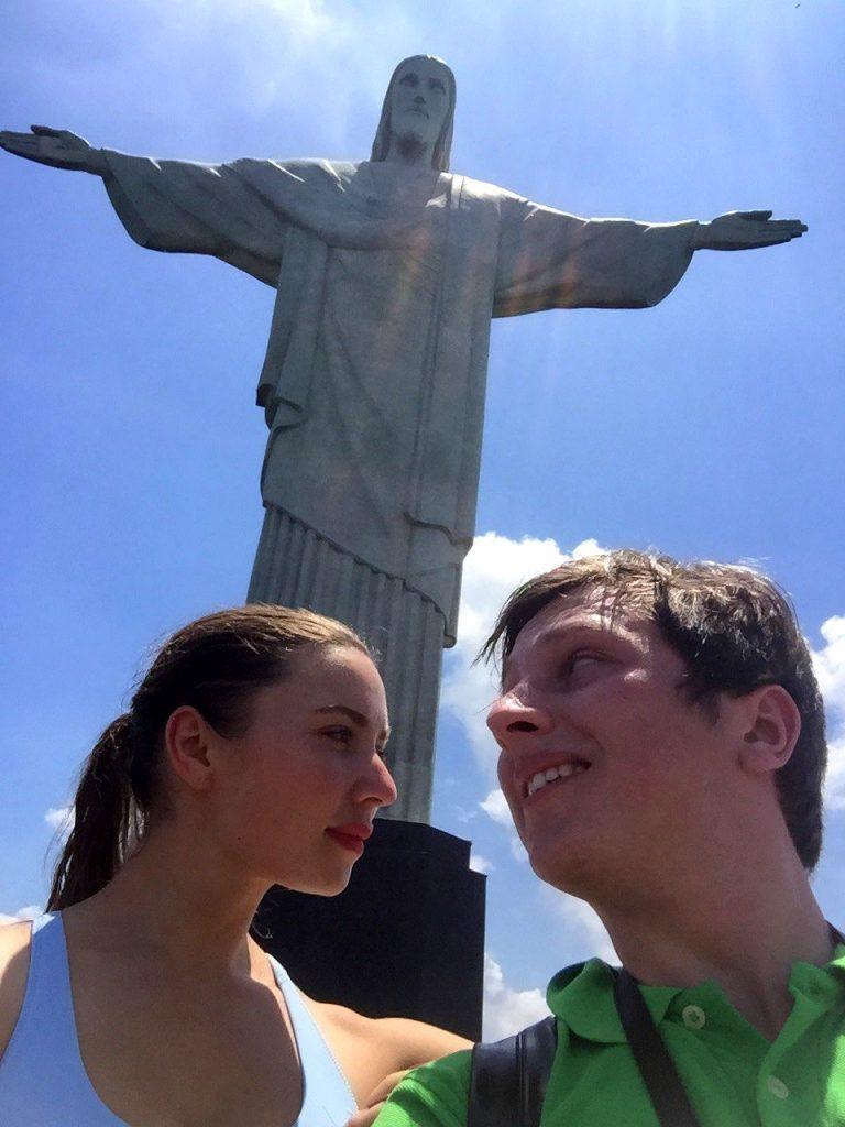 Селфи на фоне Статуи Христа Искупителя