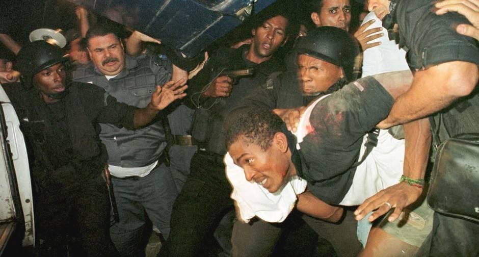Арест Сандро Барбоса Насименту  - грабеж переросший в захват заложников